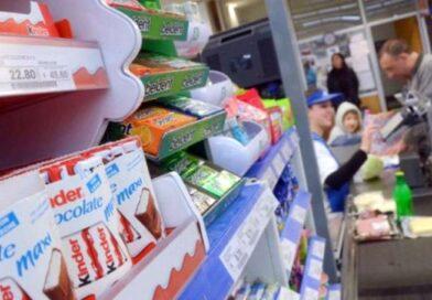 No podrán exhibirse productos no saludables en líneas de caja de supermercados y farmacias