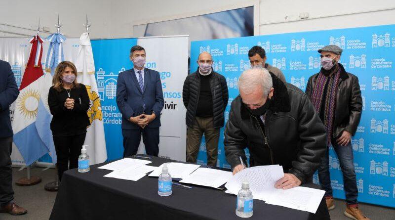 Passerini y Rey firman el contrato de obra para la nueva sede del Concejo Deliberante